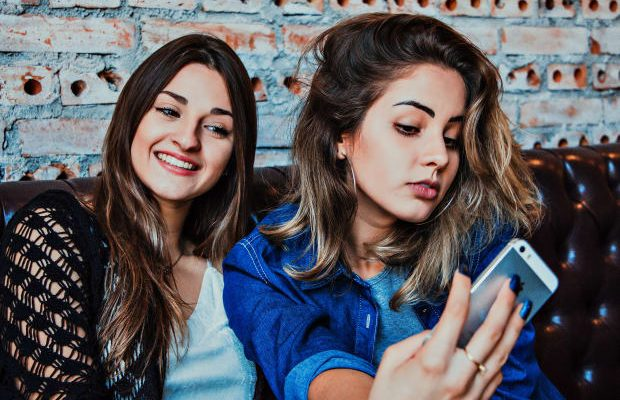 How to Tell If You're in a One-Sided Friendship