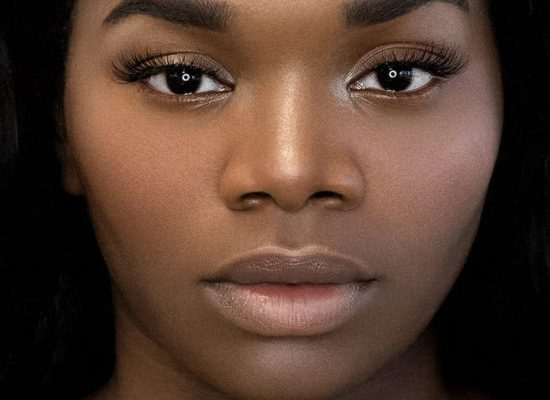 Choosing the Best Makeup for Dark Skin: A Detailed Guide